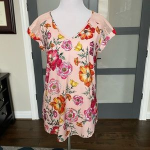 NWOT Express spring top Size Small